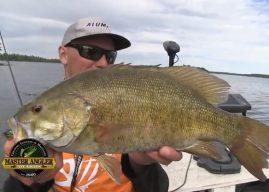 Manitoba Master Angler Minute – Fishing for Huge Smallmouth Bass